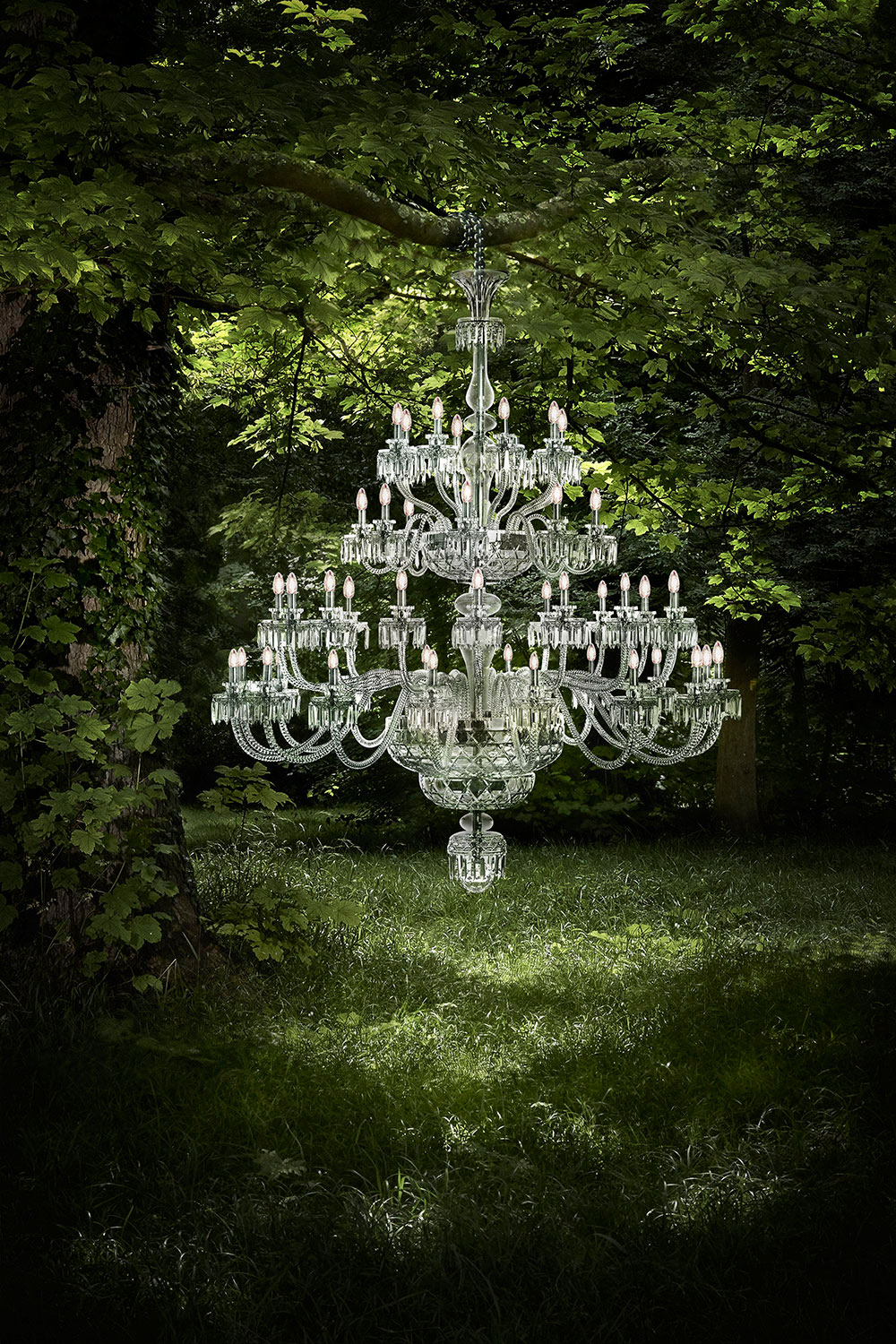 Saint-louis-cristal-chandelier-royal-toomanypictures